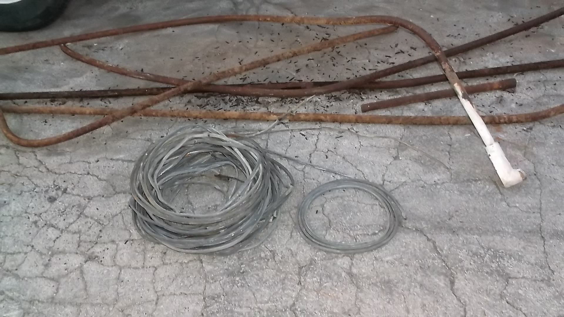 Score Weird wire insulated with Lead