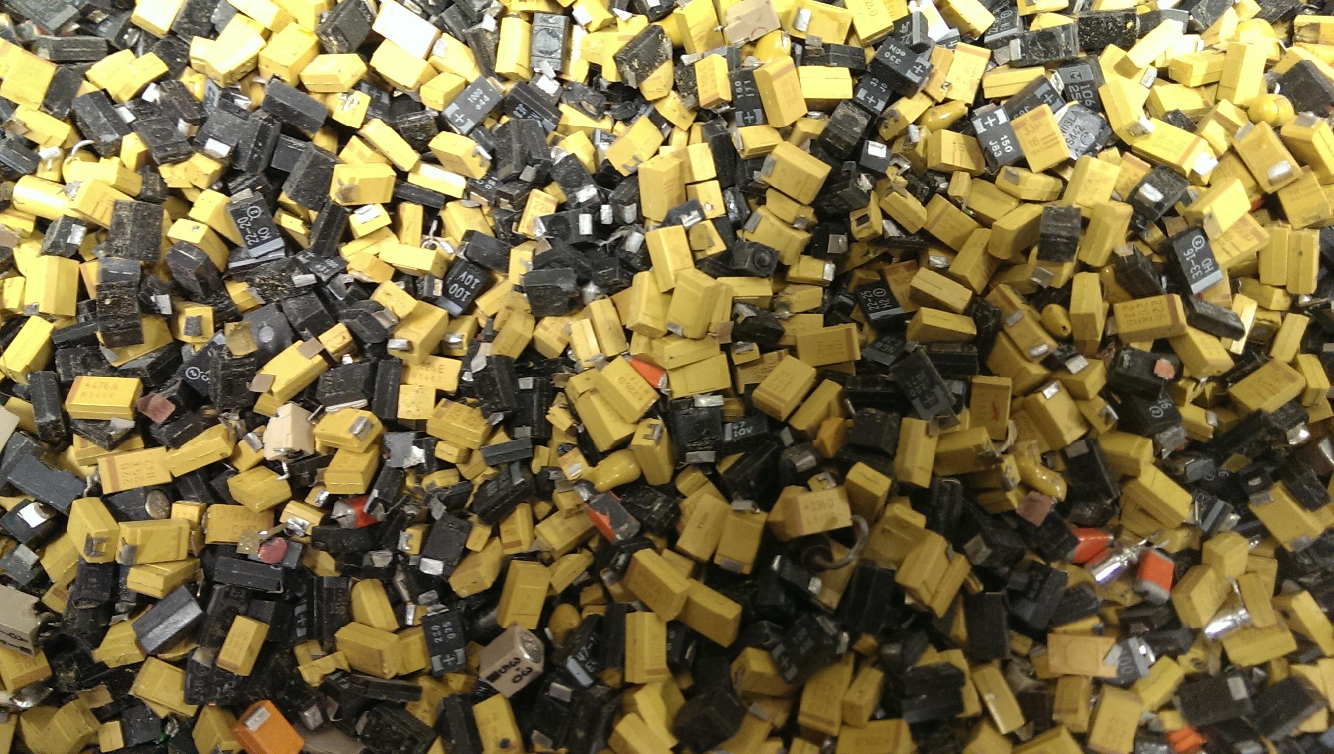 Name:  Tantalum Mixed Capacitors 2.jpg Views: 128 Size:  1.41 MB